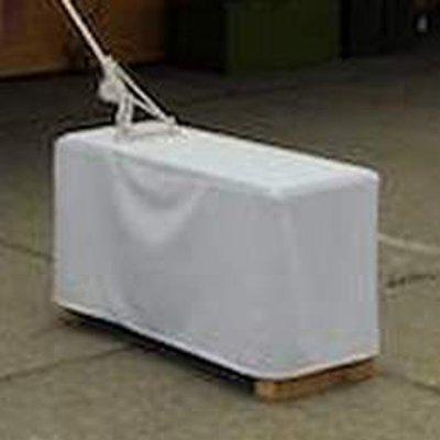 Zátěž 130 kg – betonový blok v bílém obalu