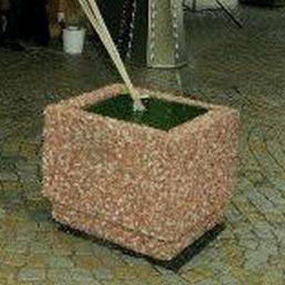 Zátěž 135 kg – betonový květináč