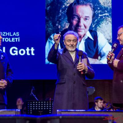 100 let Staromák Karel Gott
